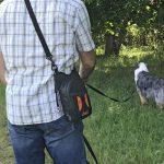 Walkybag an Schulter - Gassitasche für Hundehalter - Kotbeutel entsorgen